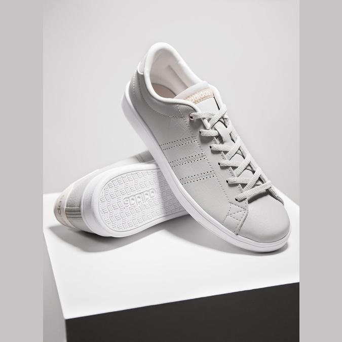 Ladies' beige sneakers adidas, beige , 501-3106 - 19